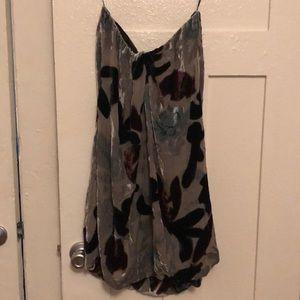 Poleci velvet strapless dress like new size 8